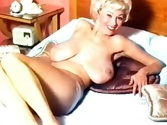Georgia Holden- 50's Nudie Hotty