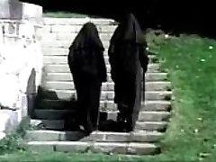 cc - călugăriță nenorocit - vintage