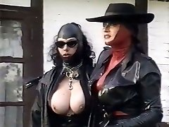 Kinky latex mistresses explore pussy of one plum chick outdoor