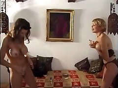 Older vs Young Catfight