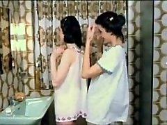 고체 내 삼 가슴 갈색상 dub(no 친구들의 얼굴)