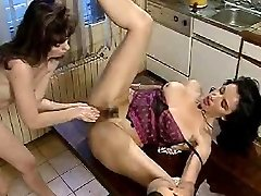 Vintage lesbo double fisting