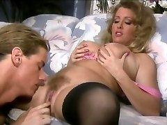 Sheila Stein - Klassisk Busty jente