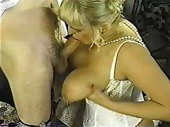 Vintage mollige blonde met enorme tieten