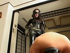 Chinese latex catsuit mistress whipping her slave hard and hot wax in the end