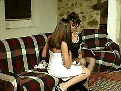 Gabriela (Marina) e Isabel - A all girl affair of a Portuguese maid.
