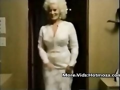 Hotmoza.com - Classical mom and her son-in-law