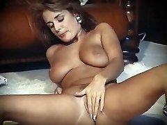 Ik HOU van ROCK'N'ROLL - vintage perfecte tieten striptease dans