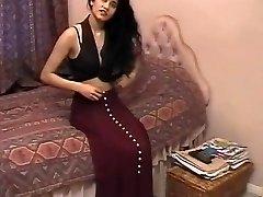 Brit Indian Dame Shabana Kausar Retro Porn