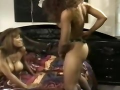 Incredible Vintage, Lesbian sex video