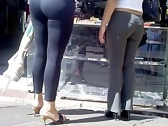 Spandex Ass - sexy girls in spandex