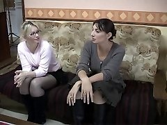 Dirty French dykes in girl-on-girl action