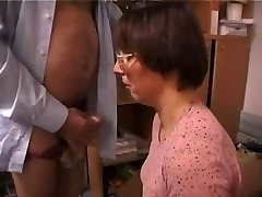 Arab Amateur French Wifey Sucks And Tears Up Old Man !