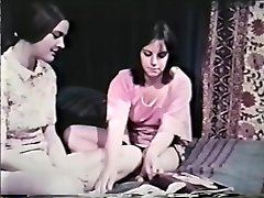 Lesbo Peepshow Loops 641 60's and 70's - Sequence 8