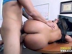 Amateur Thick Teen Attempts Porn