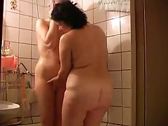 Mature BBW seduces young woman-daddi