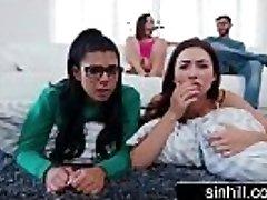 3 Καυτό Έφηβοι Μοιράζονται Ένα Τυχερό Cock - Melissa Μουρ, Abella Κίνδυνο, Τζίνα Βαλεντίνα