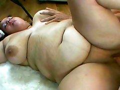 Big girl fucked on the floor