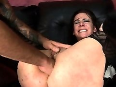 Submissive Lady Gets Anal From Rough Man