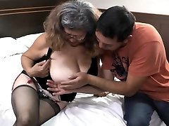 Delivery boy fucks with old granny with immense titties