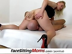 Czech housewife Gabina pussy gobbling and face-sitting ftv