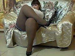 Luxurious BBW In Pantyhose