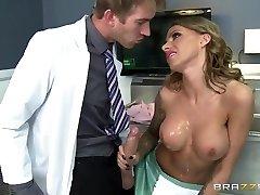 Therapist Danny D lures a nurse Juelz Ventura