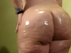 BBW Oiling Up Her Big White Donk
