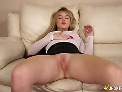 Cute bitch with plump booty Brook is dreaming of your rock-hard bone
