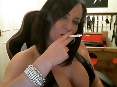 Sexy Mistress smoking intructions