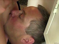 Playful ash-blonde plumper Alura Jenson luvs face sitting
