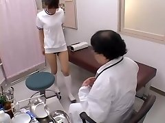 Japanese broad with sexy globes gets her bun fingered in hookup film