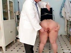 Enormous tits fat mommy Rosana gyno doctor examination