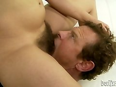 Brunette hussy Viola Starr gets her unshaved snatch slurped
