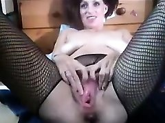 Slut Going Knuckle Deep Her Own Pussy And Spurting