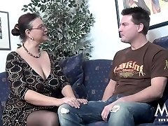MMV FILMS Audition a chubby MILF