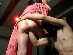 Strapon fucking and standing pussy handballing!