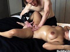 20 yo Asian Amateur gf Choked Squirts Big Rump Real Massage !