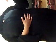Arab slut showing on webcam - 2