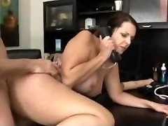 Therapist cheating on her husband penetrate with her patient