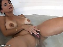 Tori Baker masturbation in the bathtub