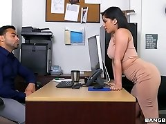Delicious bootylicious babe Kitty Caprice fucked violently in a doggy position