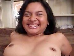 Škaredé amatérske ázijské dievča banged pevný