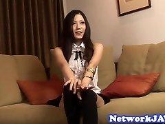 Asian dekle deepthroats tiča v pov