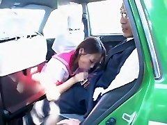 Uzbuđen Japanese girl Химэ Орихара u nevjerojatno Pušenje, automobil isječak jau