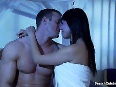 Christine Nguyen in Krokar Alexis - Seksi Ženo Sinsations