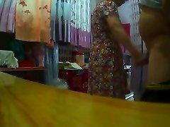 Yanıp Sönen Yapılan Çinli Büyükanne Horry