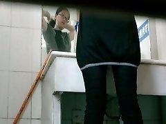 Wc voyeur video Ázijské dievča pissing v reštaurácii