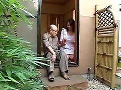 Japonská mama a otec v zákone