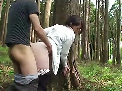Milf sex in het bos